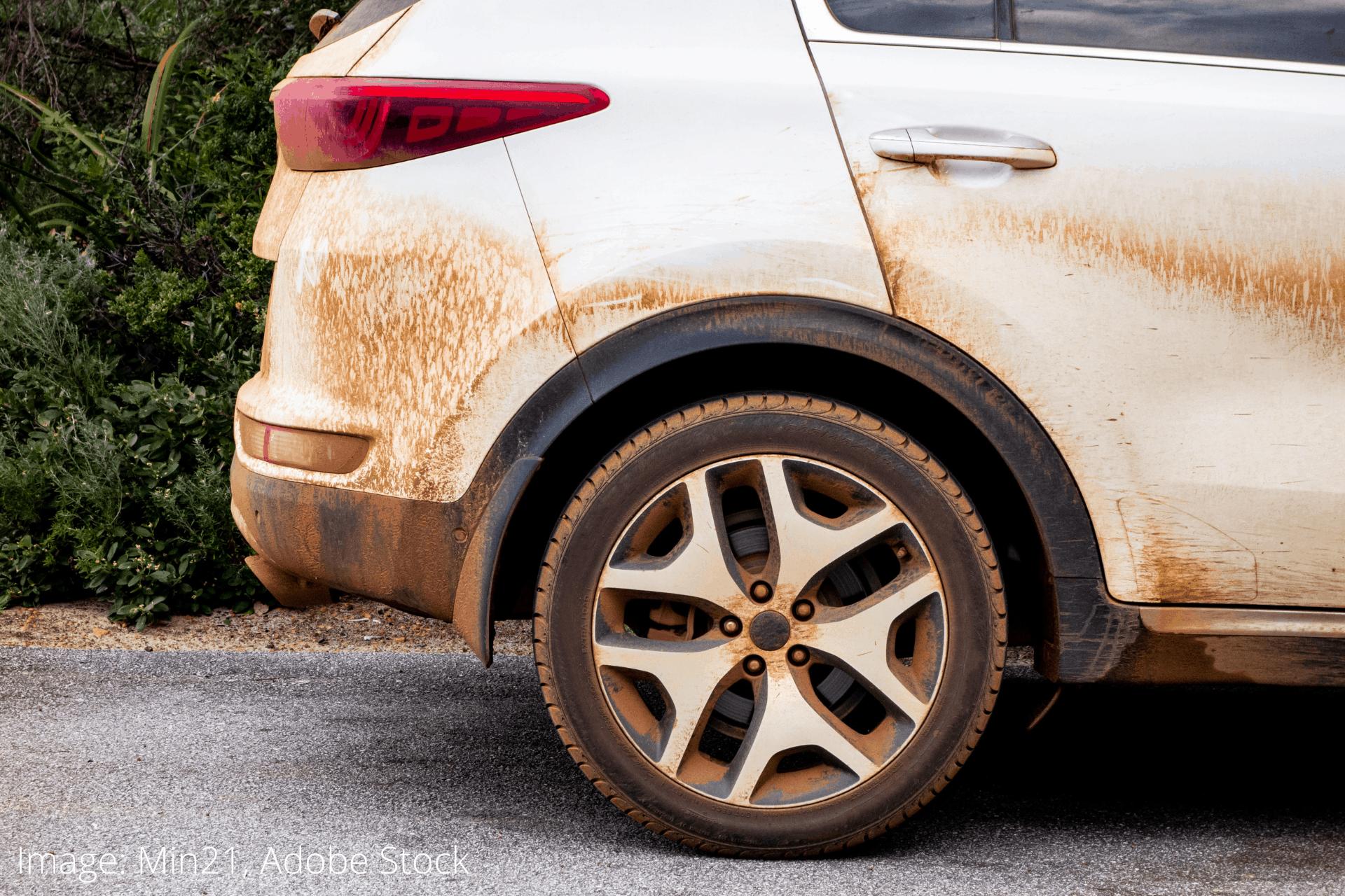hogyan tisztítsuk autó guminkat