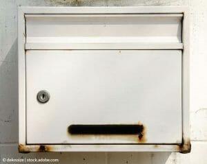 Hogyan cseréld le a postaláda zárját?